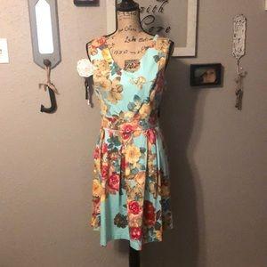 Floral Keyhole Dress 👗
